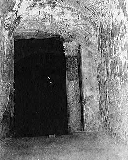 """Room 45 - The """"Chuldah Tunnels,"""" tunnels hidden  under Temple Mount, mentioned in the Mishna"""