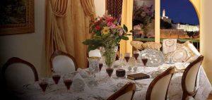 pesach-seder-table