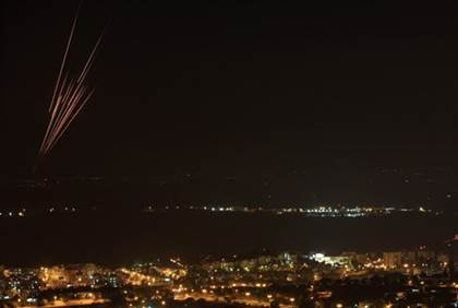 Rockets from Gaza seen over central Israel - Flash 90