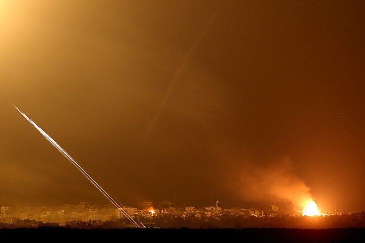 Gaza-Rockets-and-counterattack