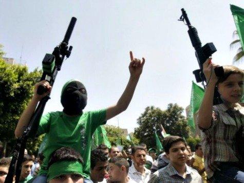 Palestinians-Guns-AP