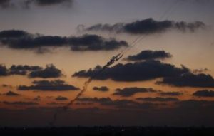 A smoke trail is seen as a rocket is launched from the northern Gaza Strip towards Israel July 16, 2014. Photo: REUTERS