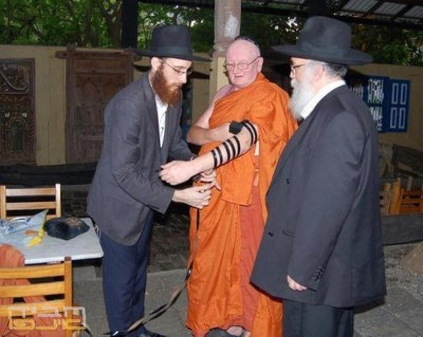 Top 10 Awesome Tefillin Photos You Will Ever See